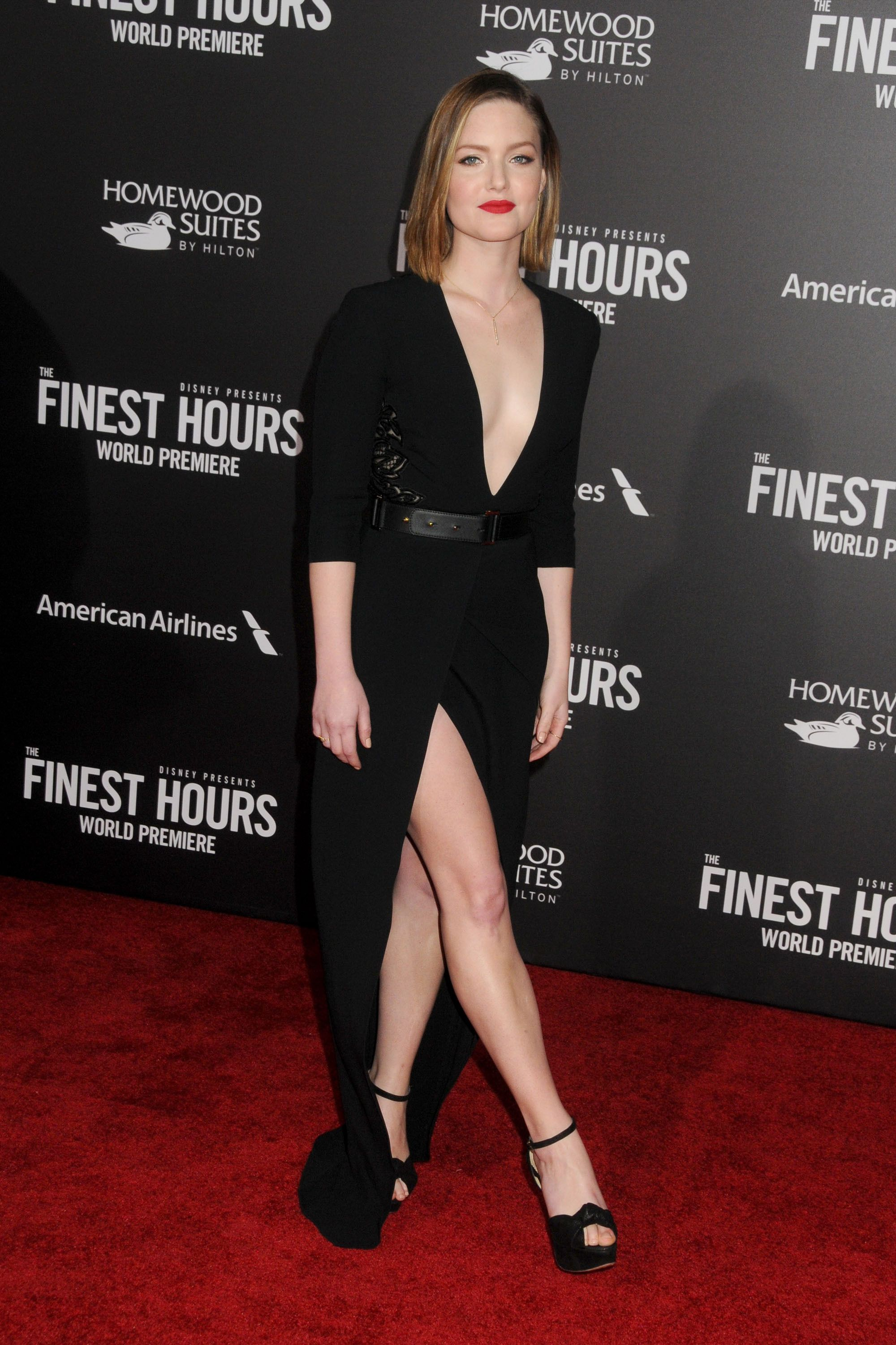 Cleavage Holliday Grainger naked (16 photos), Topless, Fappening, Feet, braless 2015