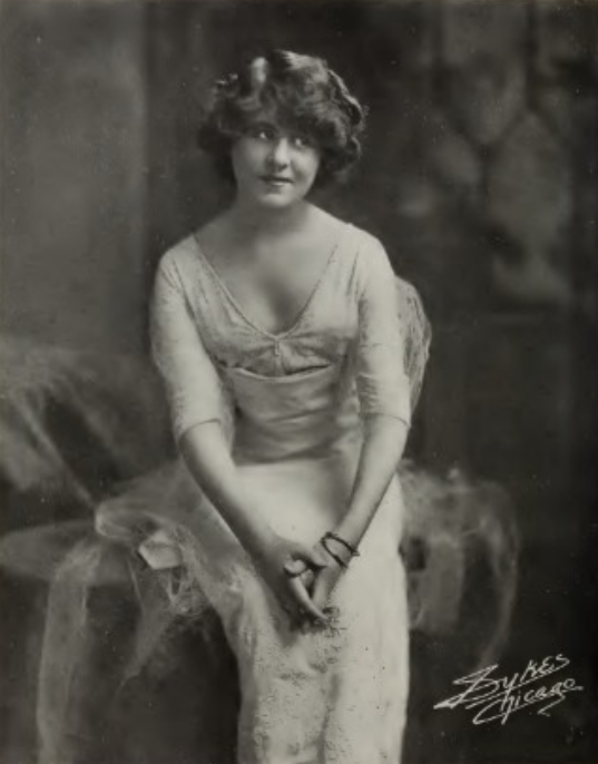 ↢ Bygone Beauties ↣ vintage photograph of silent screen star Winifred Kingston, 1913