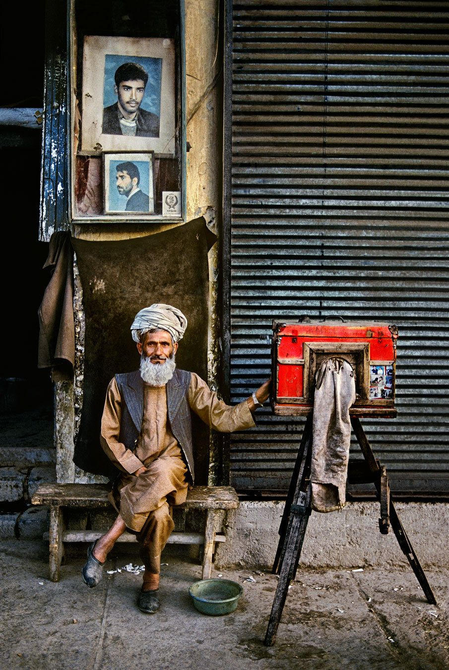 'Portrait photographer', 1992.   24 Striking Pictures Of Afghanistan By Photojournalist Steve McCurry