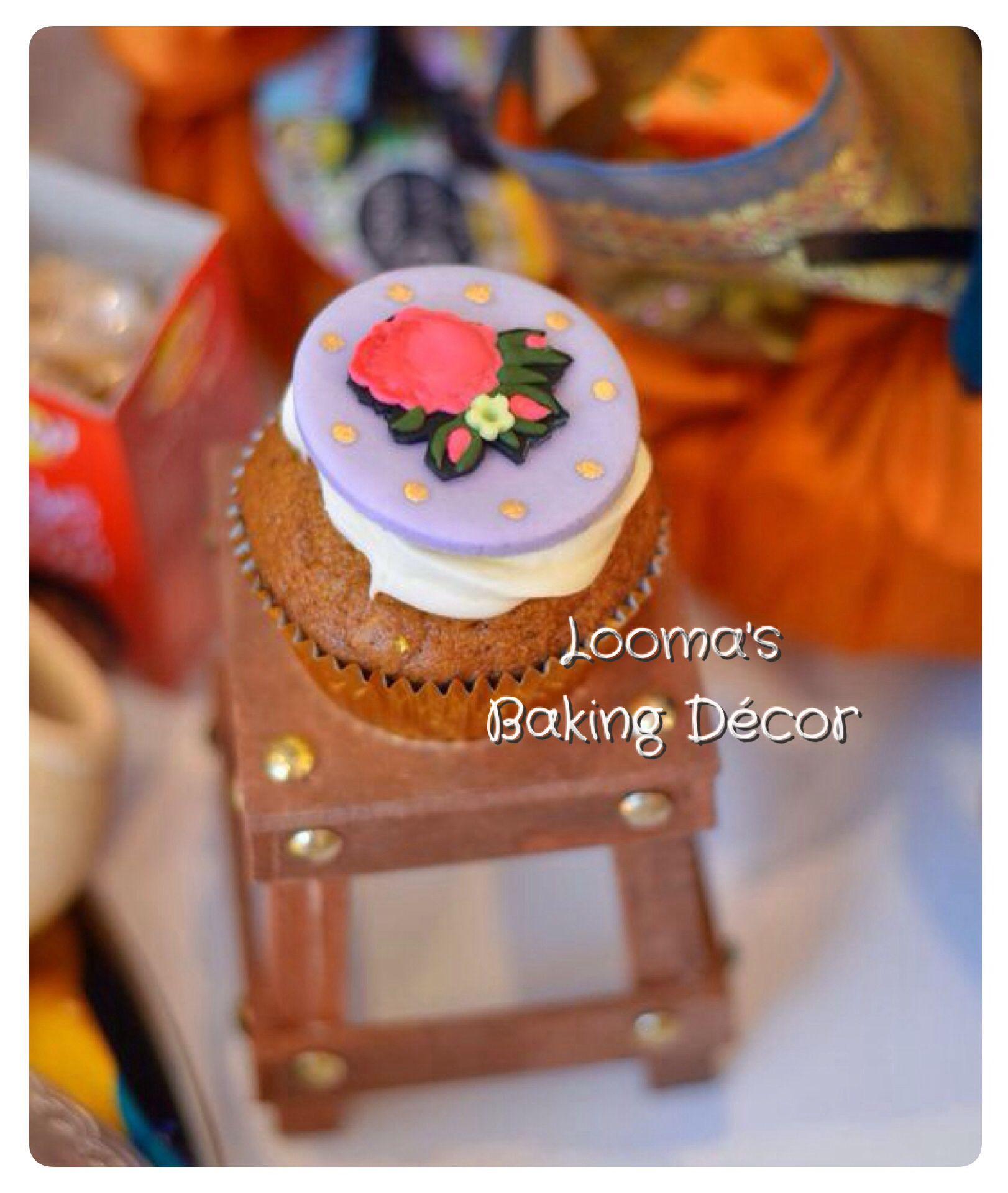 طبعة قماش الشالكي التراثي من مجموعتي ل كب كيك رمضان كب كيك القرقيعان Our Traditional Clothing Material Shalki Print Cupcake F Eid Cake Cupcake Cakes Baking