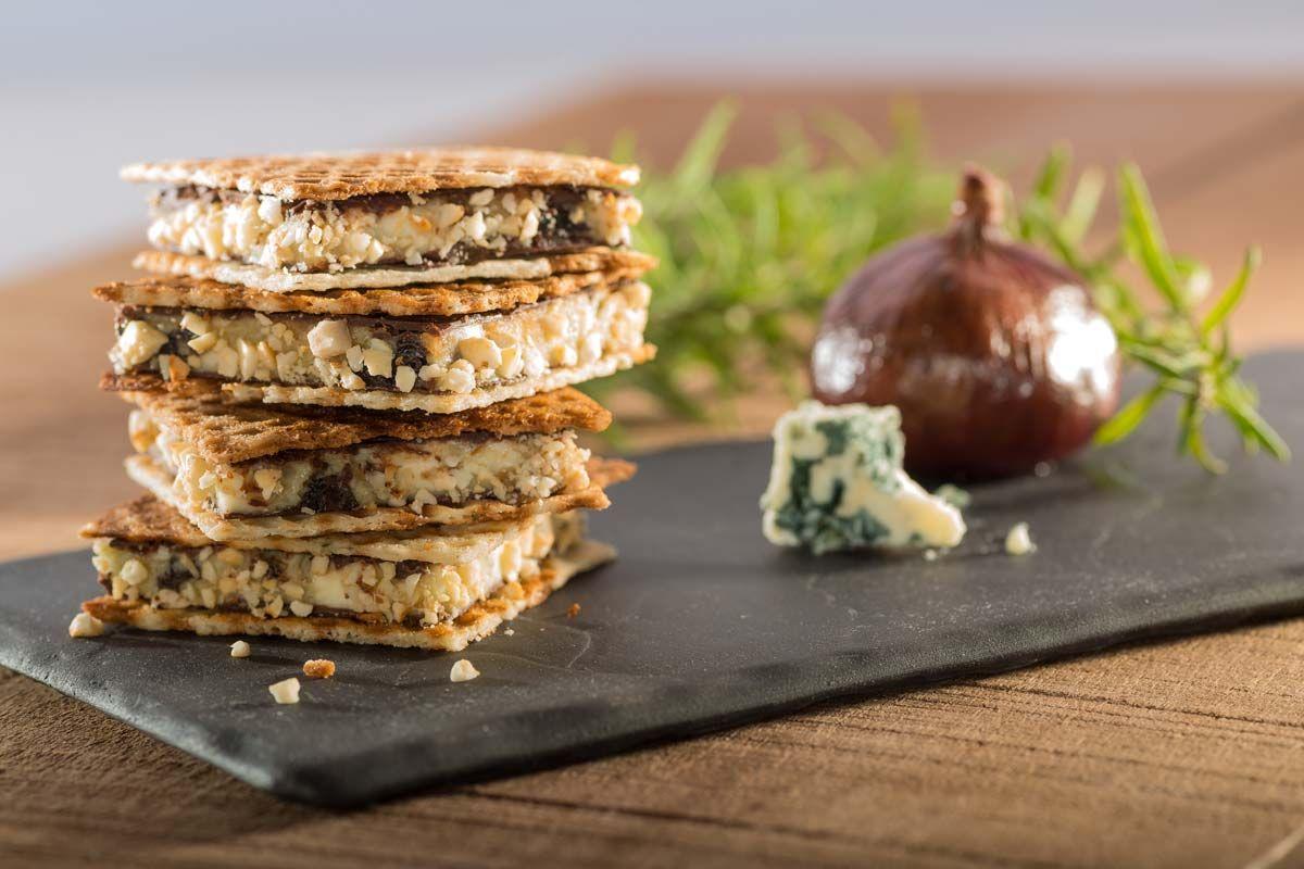 Knusperwaffel Mit Blauschimmel Mascarpone Creme Rezept Dessert Ideen Fingerfood Buffet Mascarpone Creme