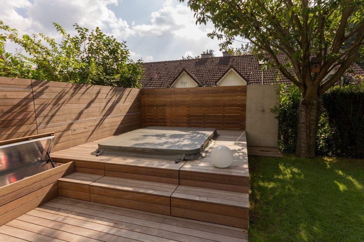 Holzterrasse mit integriertem Whirlpool   Whirlpool terrasse ...