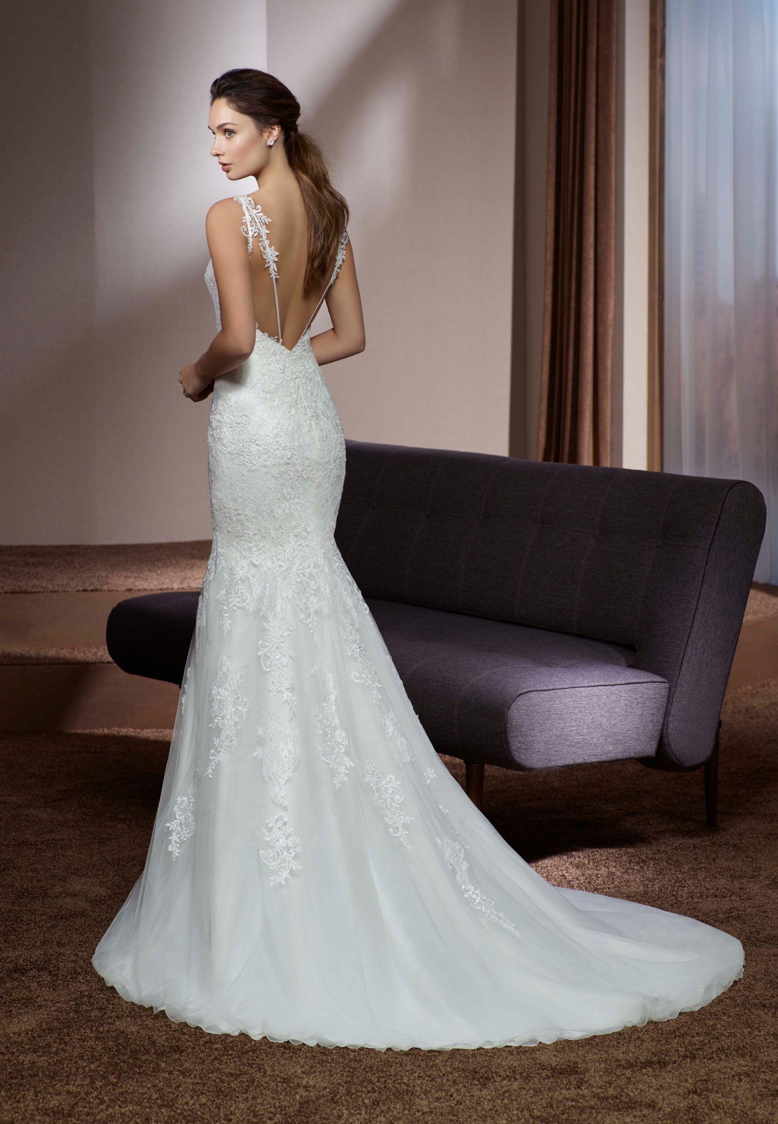 Romantisches, spitzenbesetztes Brautkleid von Divina Sposa im ...