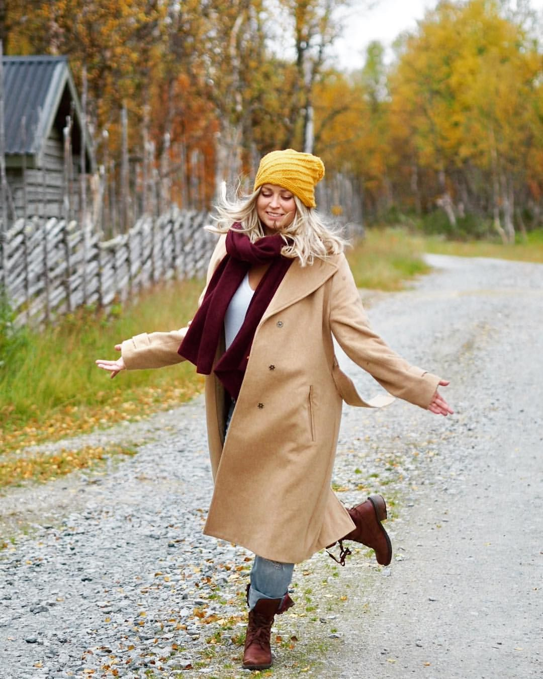 """400 Likes, 16 Comments - @malenami on Instagram: """" dansa med hösten och ruska. Ruska är ett vackert ord vi Finlandssvenskar lånat från finskan.…"""""""