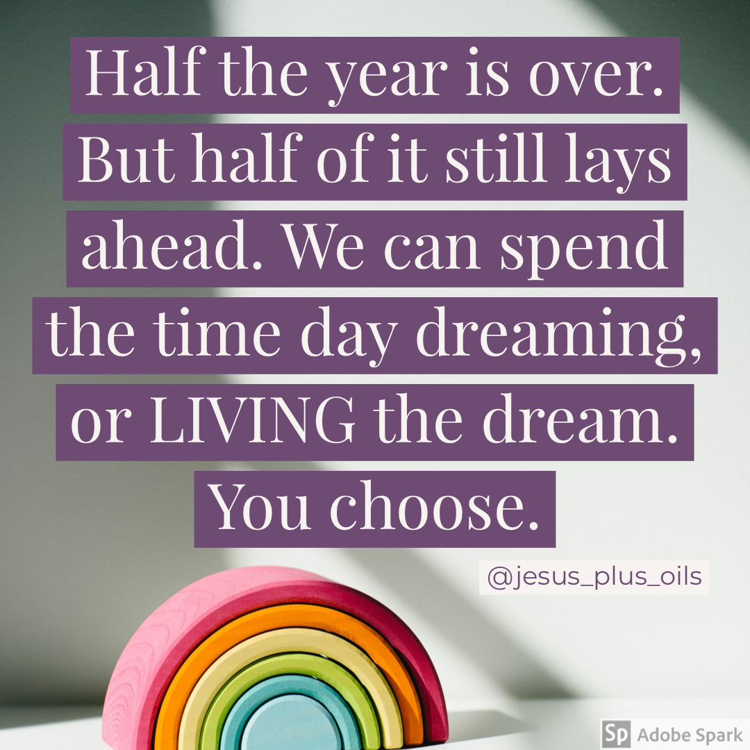 Live Your Dream Or Day Dream Your Choice In 2020 How To Find Out Writing Words Inspirational Quotes