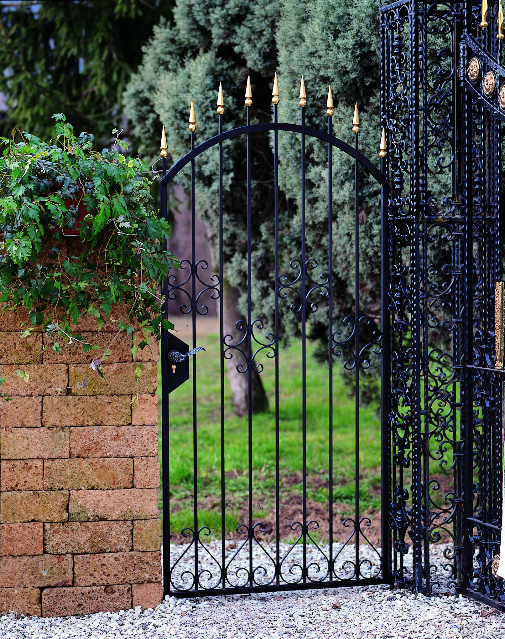 Wrought Iron Fence Gate With Accent Spear Heads Indital Usa Con