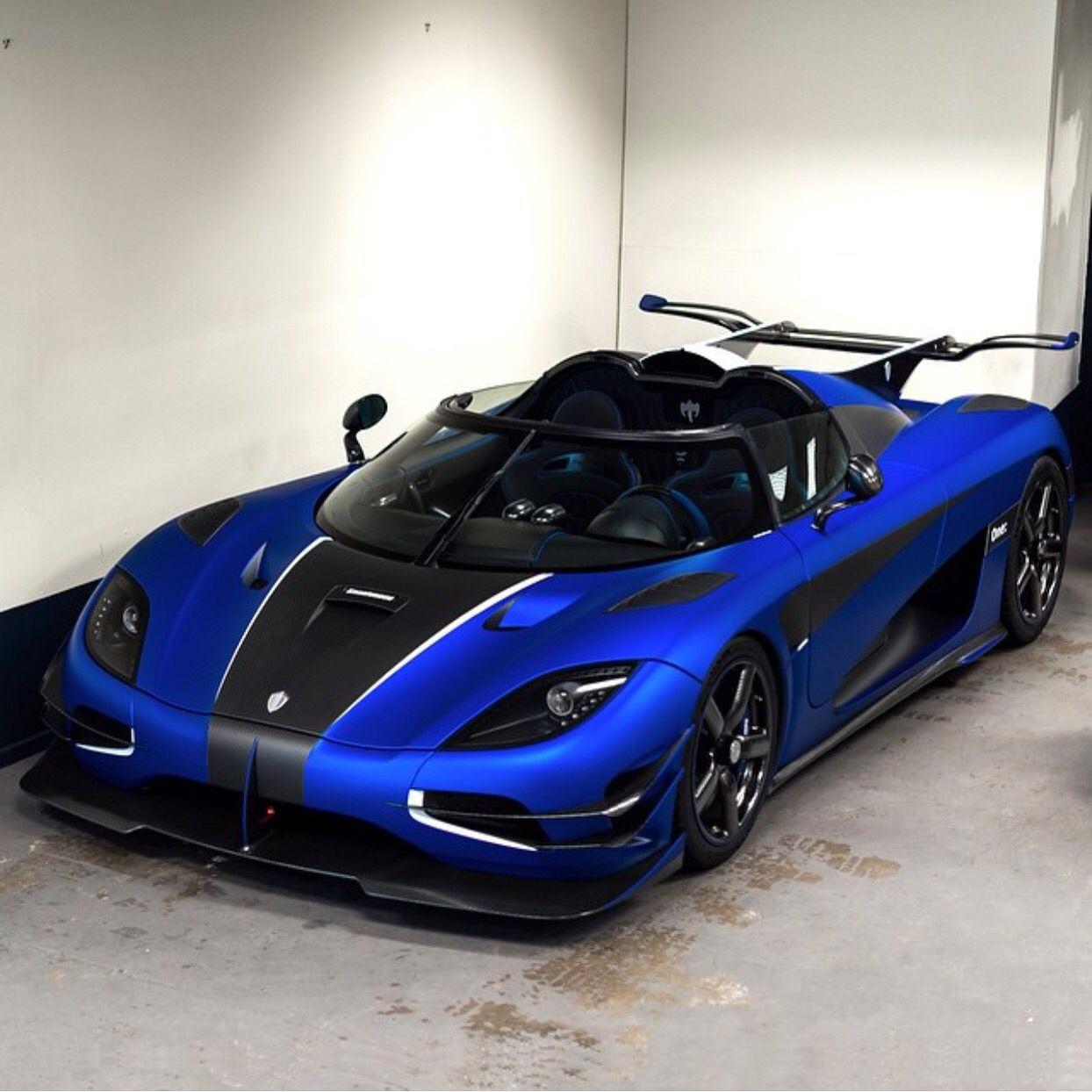 Exotic Sports Cars Koenigsegg: Koenigsegg One:1 Painted In Satin Blue W/ Exposed Matte