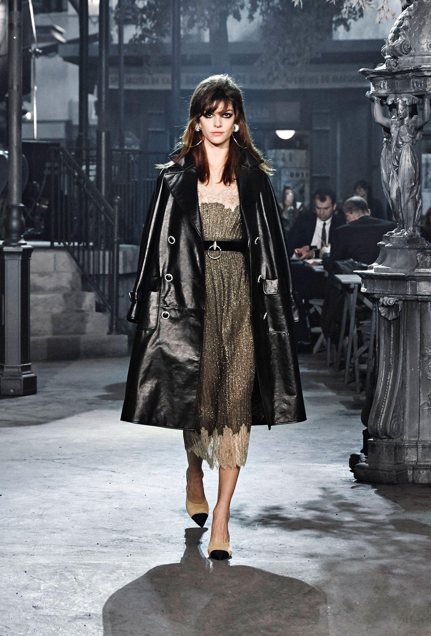Chanel Karl Lagerfeld's film noir Fashion, Dress like a