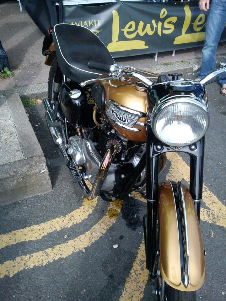 Golden Trumpet Brighton Ace Cafe Run 2012 Cool Motorcycles British Motorcycles Custom Bikes