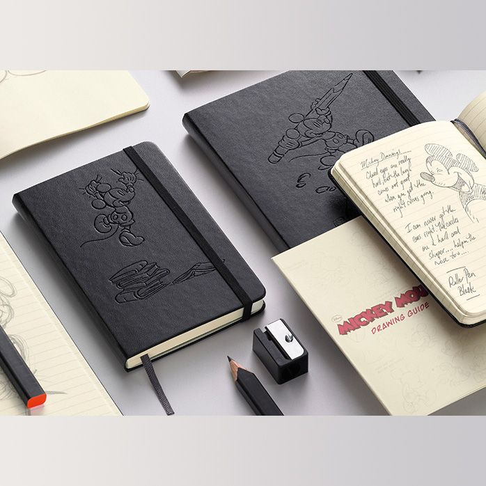 Moleskine Mickey Mouse Limited Edition Large Plain Notebook (5 x ...
