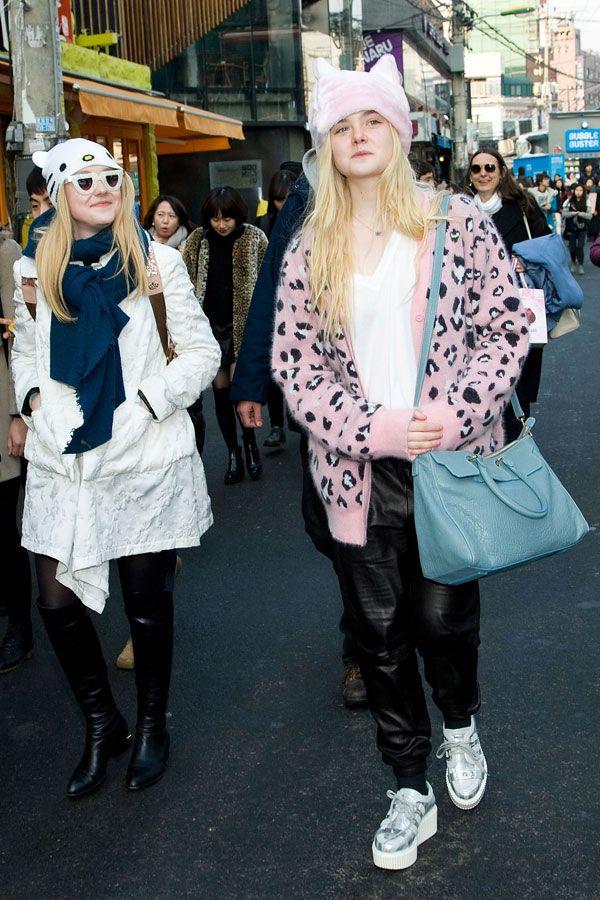 Dakota and Elle Fanning in cat hats