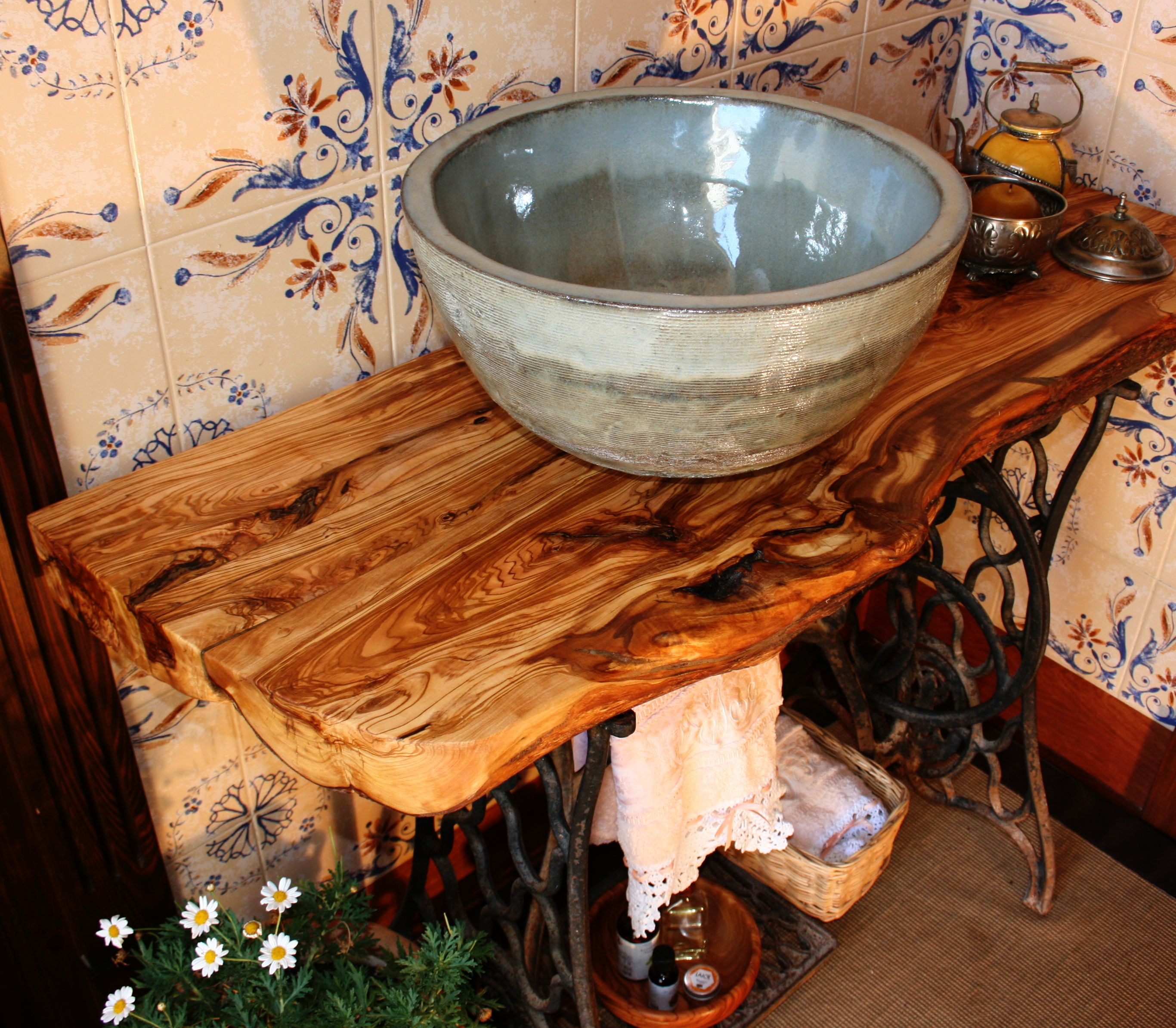 Encimera de ba o de madera de olivo ba os pinterest madera de olivo olivo y ba o - Encimeras de madera para bano ...