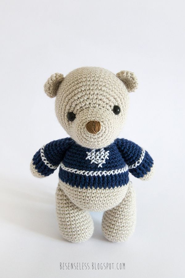 Amigurumi reindeer and bear, patterns in the book Amigurumi Winter ...