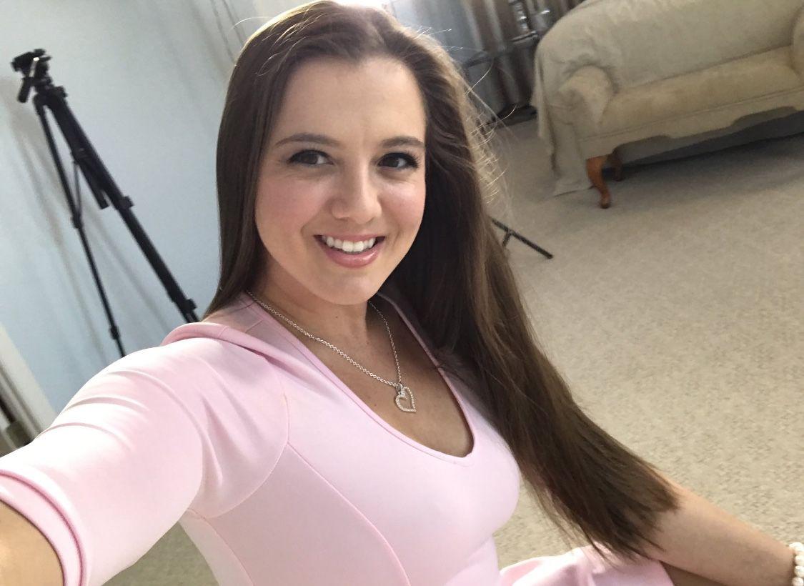 Becky LeSabre Nude Photos 29