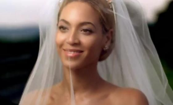 Love The Veil Beyonce Celebrity Bride Celebrity Weddings