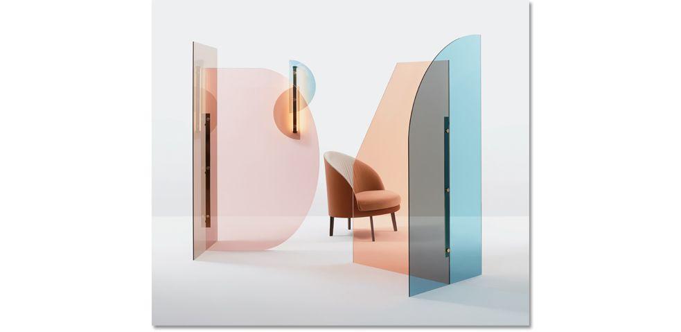 Due vetri colorati con forme diverse ma complementari for Mobili colorati design