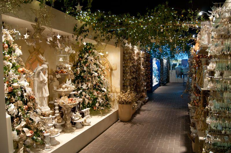 Van Hage Garden Centre At Christmas Christmas Shop Window Garden Center Displays Christmas Garden