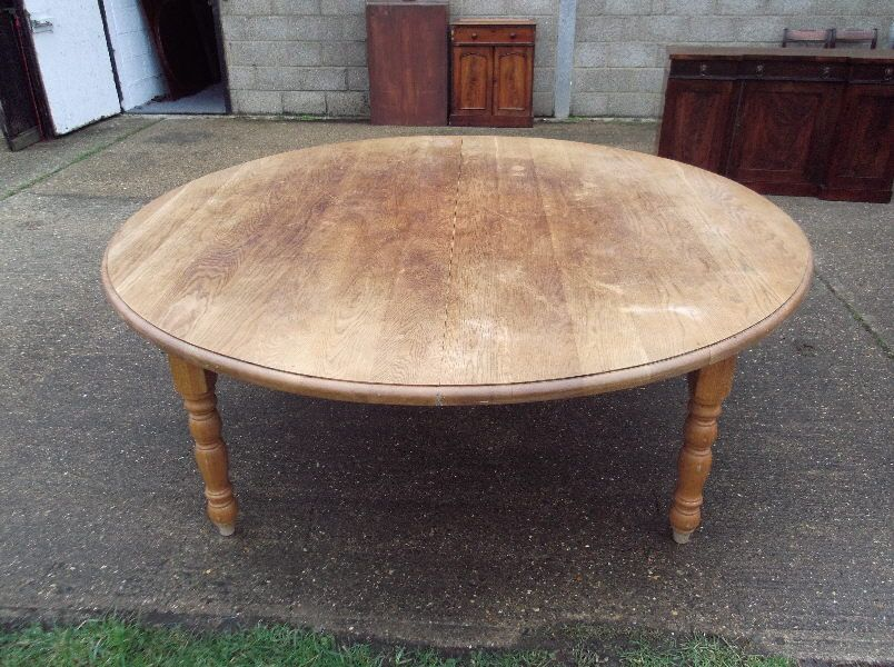 Large Antique Oak Round Table Huge 7ft Diameter Solid Dining To Seat 12 People Comfortably