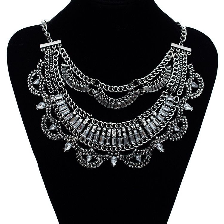 3,92€ - Fashion Collar Power choker Vintage Bohemian Long tassel ethnic Necklace for Women gem water crystal Maxi acrylic necklace - Find Me Virallinen store - https://www.youtube.com/watch?v=fPDsPrXc8Pg