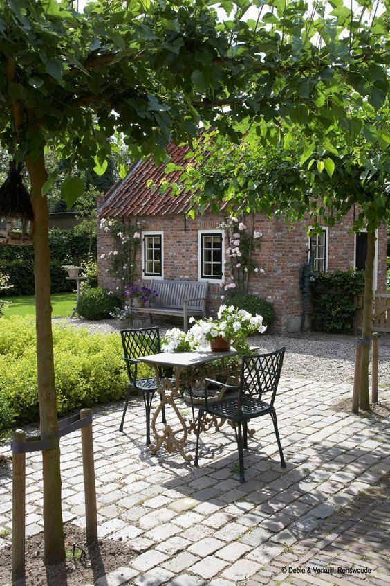 What A Beautiful Setting And Lovely Garden Furniture