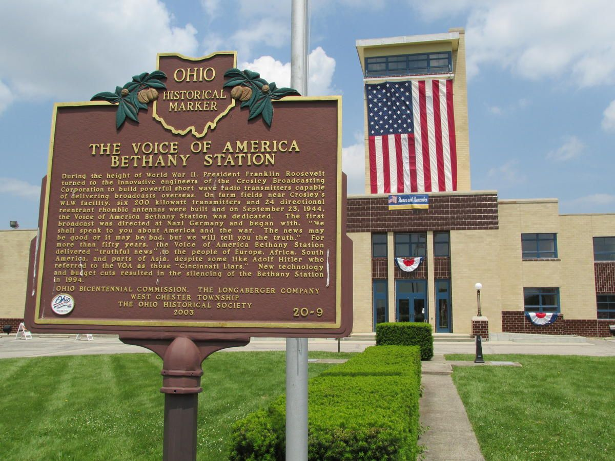 National VOA Museum Honors Clyde Haehnle, Hosts Mike Reid