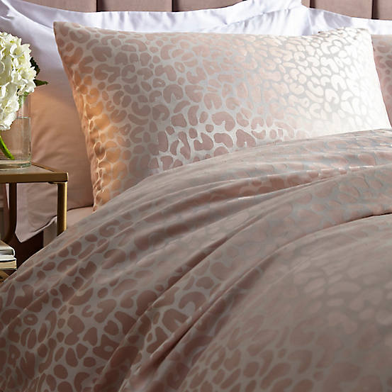 Jacquard duvet cover and pillow cases