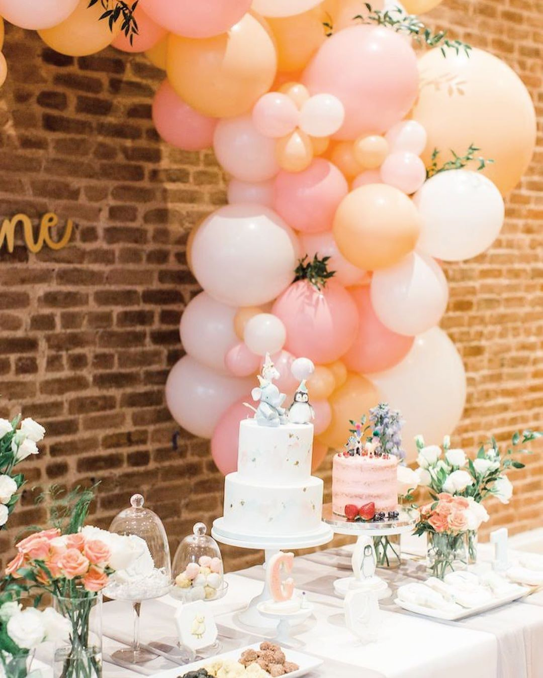 Best Balloon Party Styling Amazing Birthday Party Decoration Balloon Garland Event Ideas Balloons In 2020 Animal Birthday Party Birthday Parties Karas Party Ideas