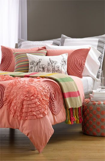 A beautiful color palette mixed with pretty prints and lovely texture. Gorgeous!