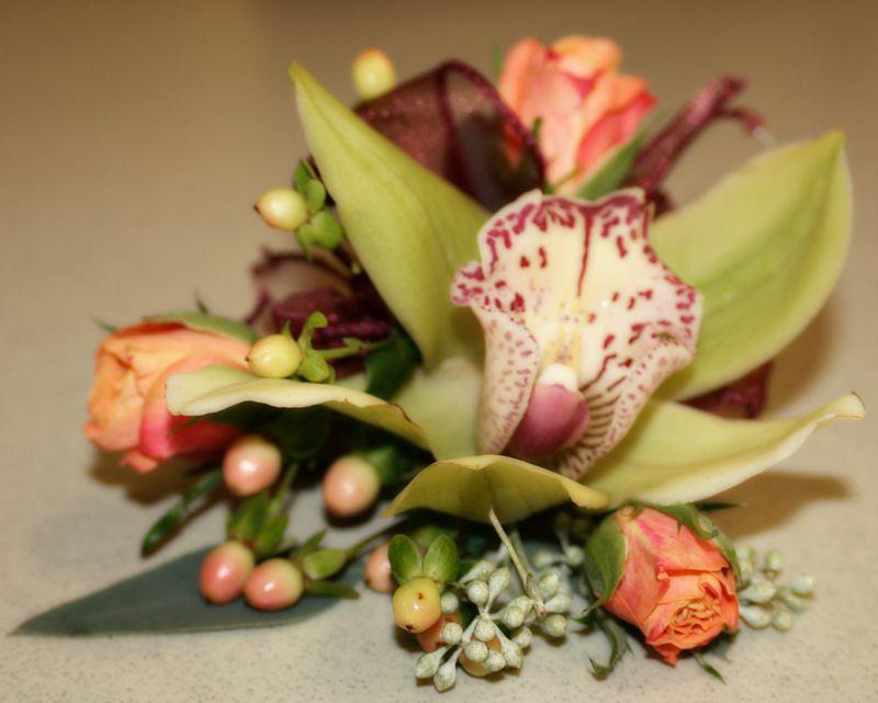 how to make cymbidium orchid wrist corsage