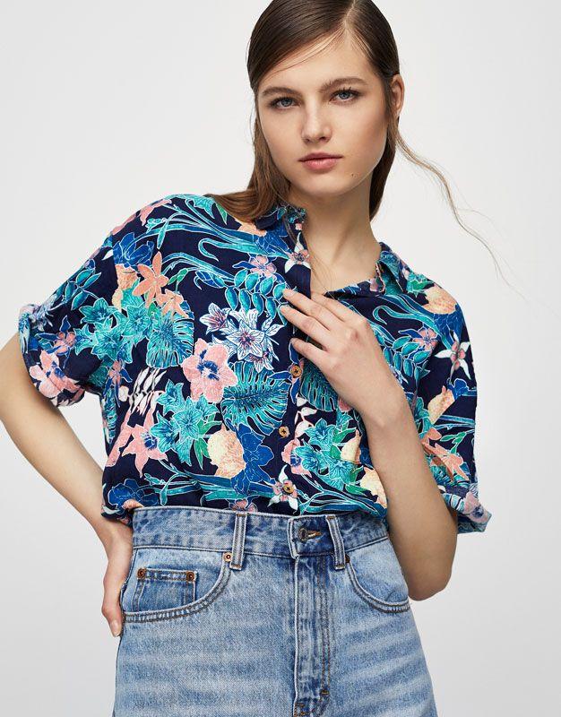 6bb01535a Camisa estampado tropical - Blusas y camisas - Ropa - Mujer - PULL BEAR  Colombia