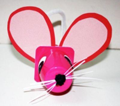 Petite souris en pot de yaourt