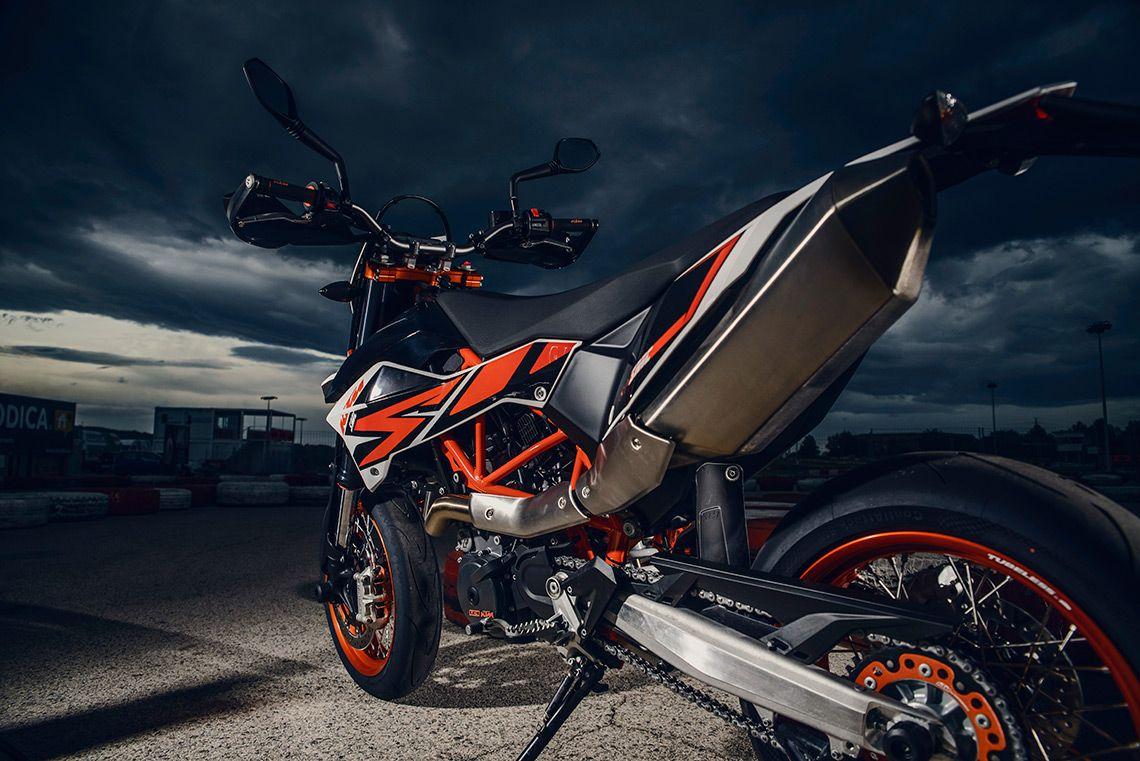 Supermoto ktm 690 stunt concept bikemotorcycletuned car tuning car - 2014 Ktm 690 Smc R Featured Derestricted