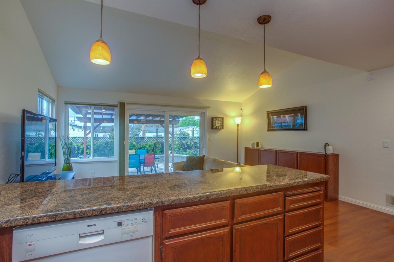 1191 Montmorency Dr San Jose Ca 95118 1 338 000 Www Garystclair Com Mls 81695947 Huge Bedrooms Family Kitchen Brick And Wood