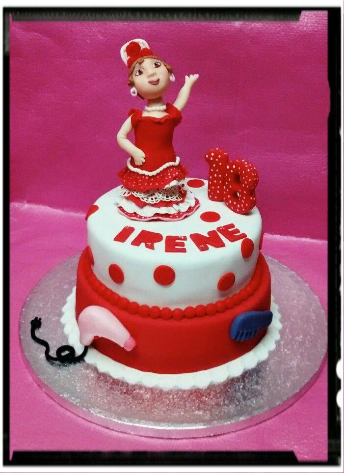 Tarta flamenca, con muñeca gitana modelada.