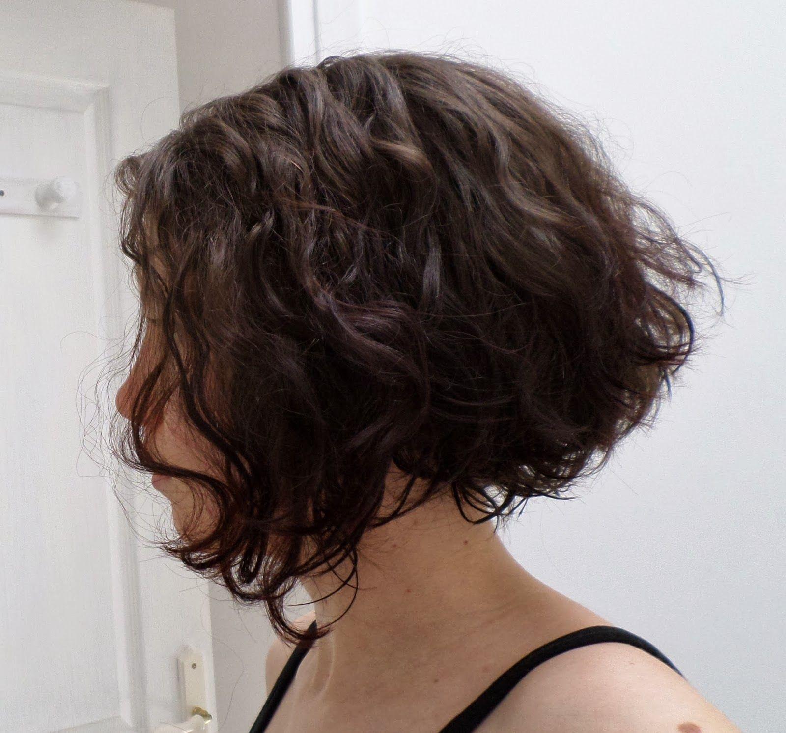 Épinglé sur Corte en cabello con rulos