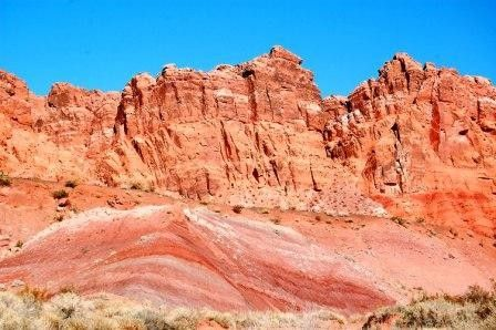 Hiking around Lake Mead: Bowl of Fire