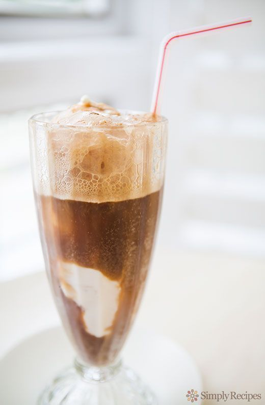 Root Beer Float #rootbeerfloat What kid doesn't love making a root beer float? It's so cool to watch the vanilla ice cream foam up in the root beer and float up to the top. Perfect summer treat. On SimplyRecipes.com #rootbeerfloat Root Beer Float #rootbeerfloat What kid doesn't love making a root beer float? It's so cool to watch the vanilla ice cream foam up in the root beer and float up to the top. Perfect summer treat. On SimplyRecipes.com #rootbeerfloat Root Beer Float #rootbeerfloat What ki #rootbeerfloat
