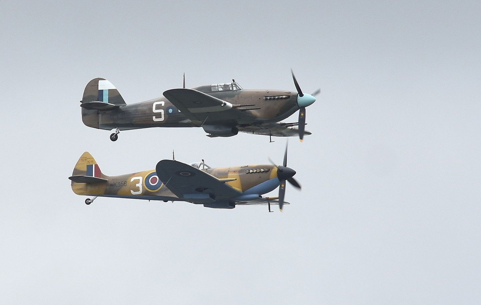 Fighter Aircraft Hawker Hurricane Top And Supermarine Spitfire Aviation Riat2019 Cacas