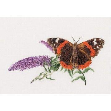 Borduurpakket Atalanta vlinder op Budlea Aida - Thea Gouverneur via Handwerk.nl
