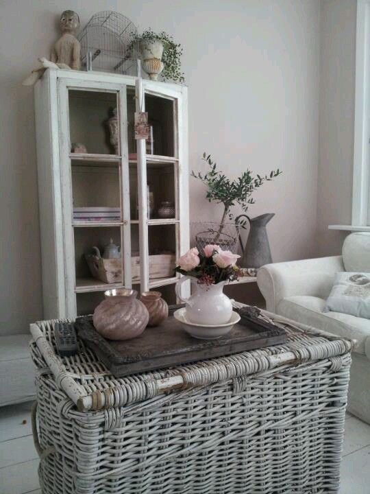 white washed basket/table (storage for snuggly buggly blankets for those cool sea evening)