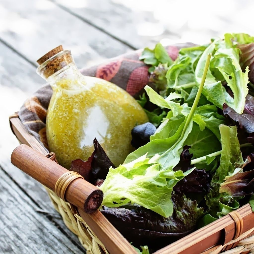 Have you noticed that even the simplest salad at a fine restaurant is night-and-day better than what you whip up at home? These easy tips will make your salad on par with the best of them.