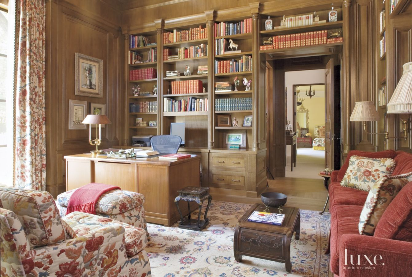 Traditional chinese house interior library  the antique chinese coromandel screen behind the sofa in
