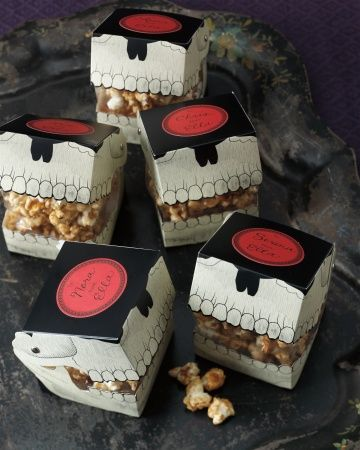 Gothic Manor Skull Treat Boxes