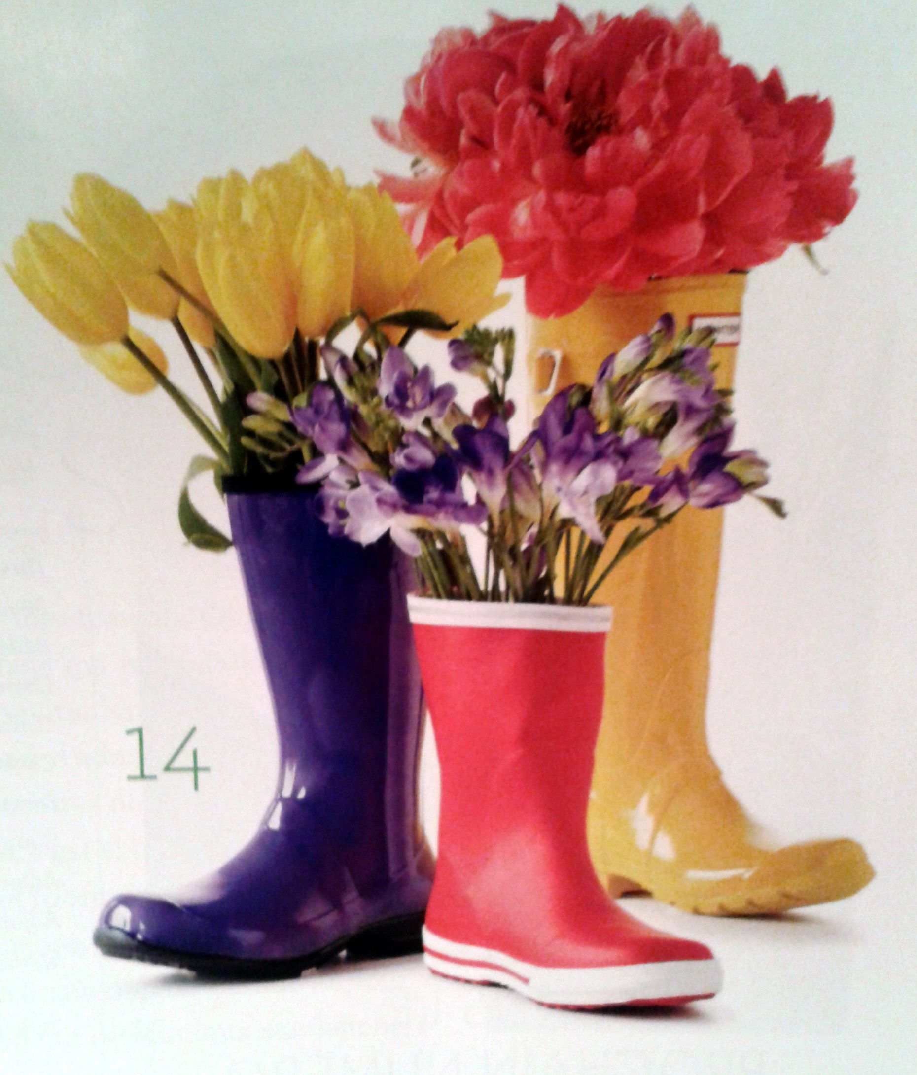 A great way to display flowers place a small vase inside the place a small vase inside the boot reviewsmspy