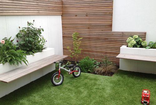 Modern courtyard garden design google search icha for Very small courtyard gardens