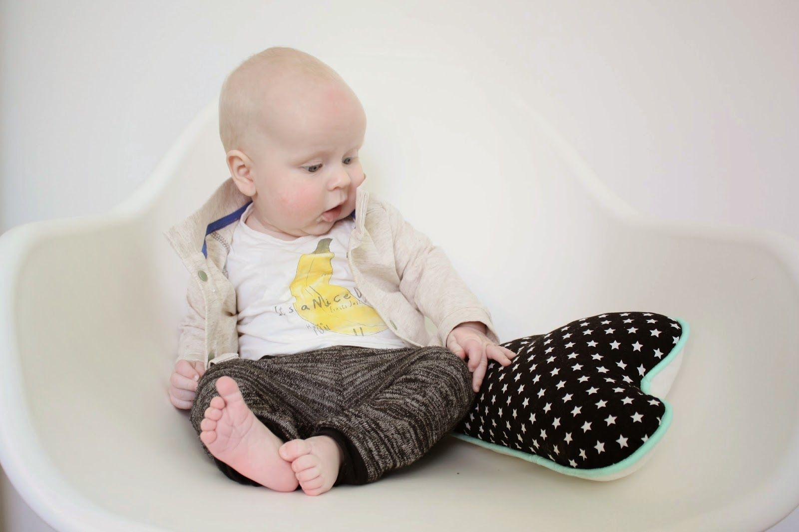 baby sewing: vest with pants | baby kleding naaien: hippe broek met vest