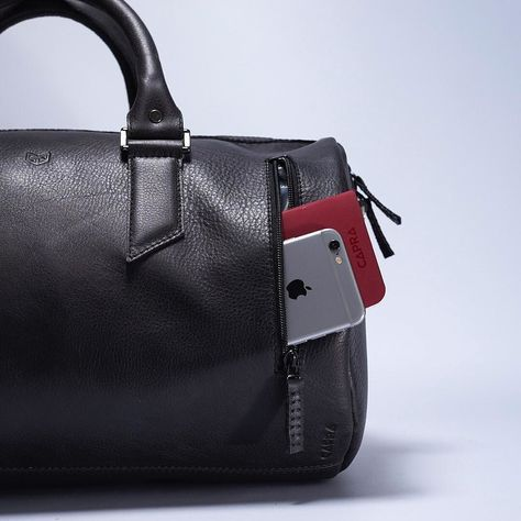 2b6ad019a373 INTRODUCING THE SUBSTANTIAL DUFFLE BAG. The access  the main compartment  has a clever wide