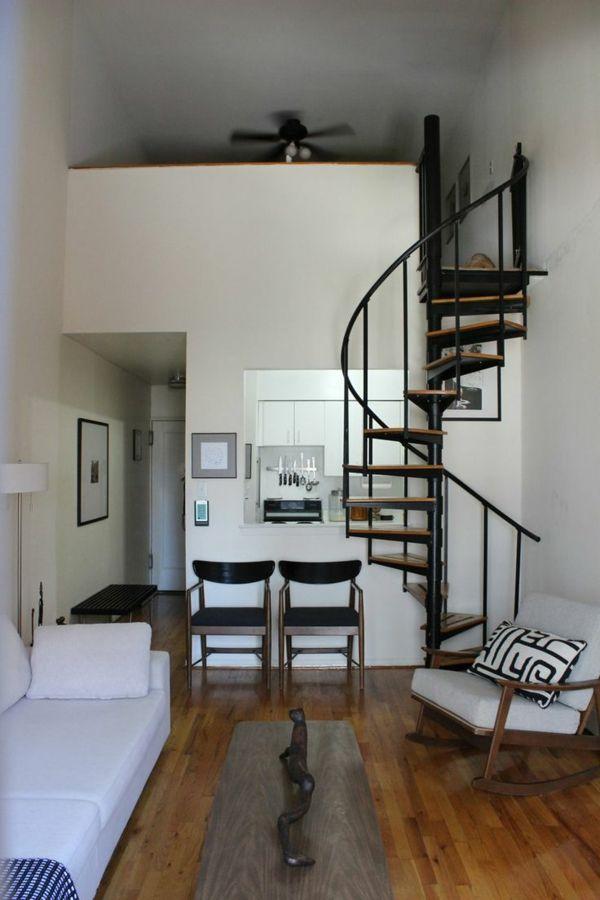 tolle Innenarchitektur mit einer Wendeltreppe ...