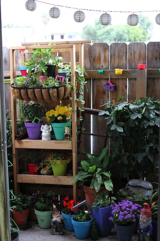 Top Ten Ways To Decorate A Small Apartment Garden | Small ...