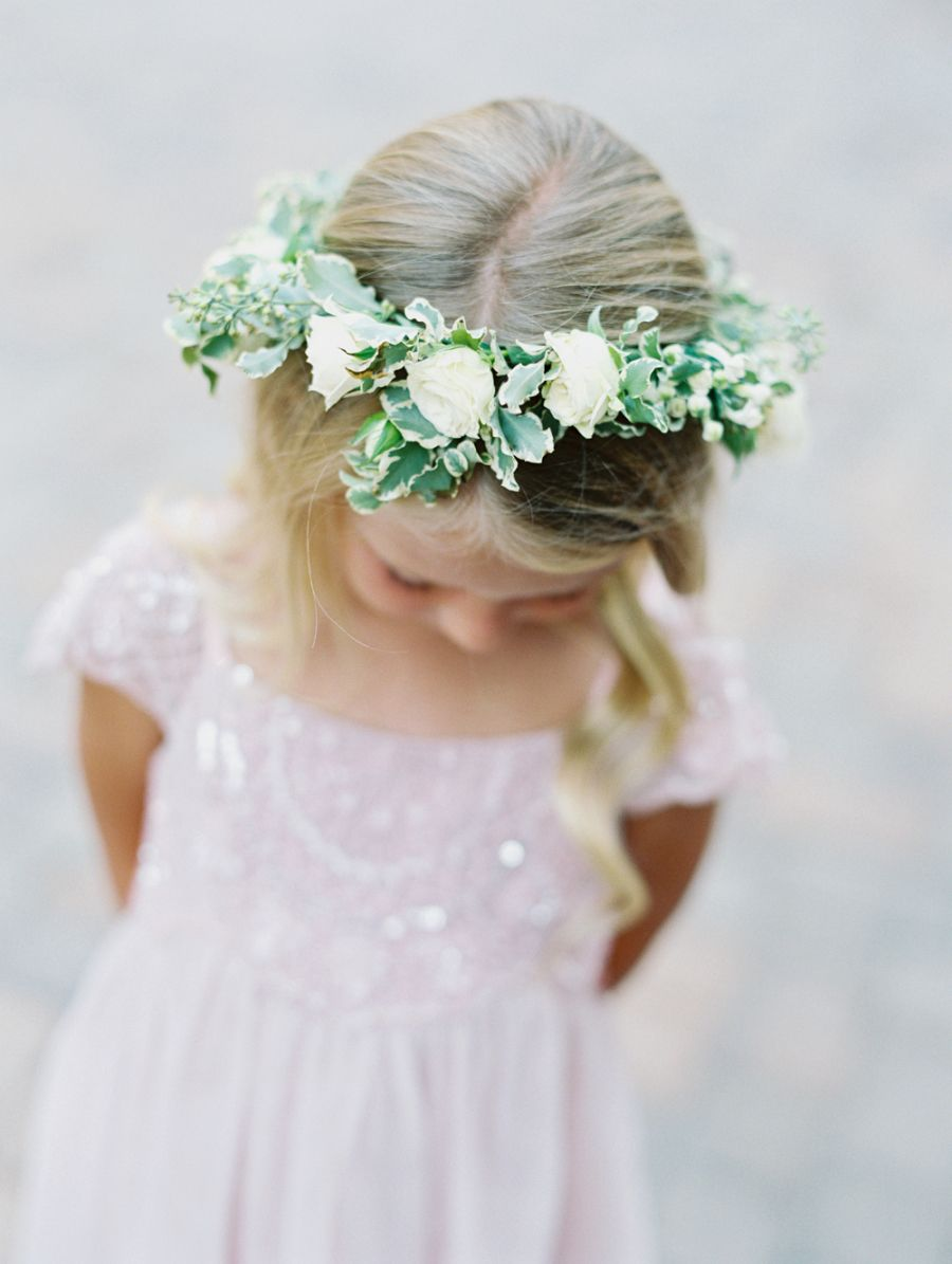 Why we still love the flower crown and how to make your own flower girl flower crown cuteness httpstylemepretty izmirmasajfo